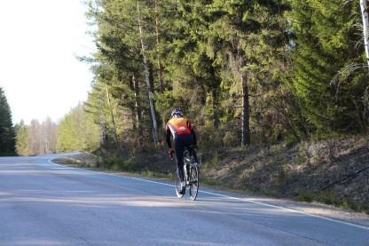 En av de första cyklisterna denna vår som susa föbi i högt tempo