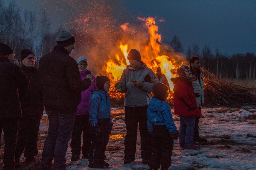 2016-03-26 Påskbrasa Fladan 046-1